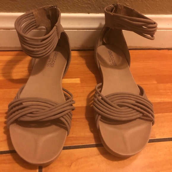 me too Shoes - 9.5M Serene Tan Suede Adam Tucker sandals  New WOT